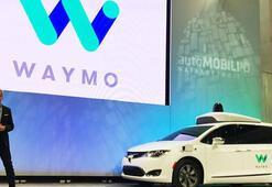 Google sürücüsüz otomobilini yüzlerce kişinin katılımıyla deniyor