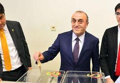 Galatasaray, Abdurrahim Albayrak ve Burak Elması borsaya bildirdi