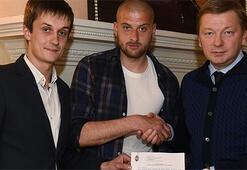 Beşiktaşa kötü haber Rakitsky kulübüyle imzaladı