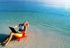 Çalışanlar tatilde bile işten kurtulamıyor