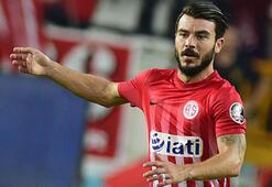 Antalyaspor Yekta ile Charlesin sözleşmesini uzattı