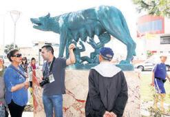 Altınoluka park ve Dişi Kurt heykeli