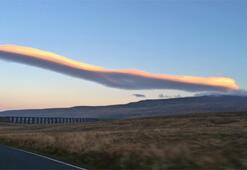 Concorde şeklinde bulut görüntülendi