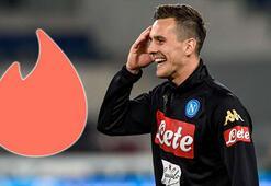 İtalyan futbol devi Napoli, Tinderla anlaştı