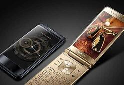 Samsung yakında amiral gemisi sınıfında kapaklı bir telefon tanıtabilir
