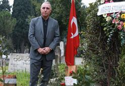 Hristo Stoichkovdan Naim Süleymanoğlunun kabrine ziyaret