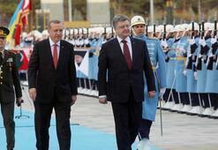 Erdoğan Poroşenko'yu resmi törenle karşıladı