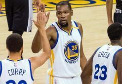 Warriors, Kawhisız Spursü rahat geçti