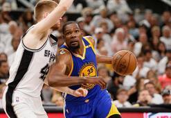 Warriors, San Antonio Spursü 120-108 yenerek seriyi 3-0 yaptı