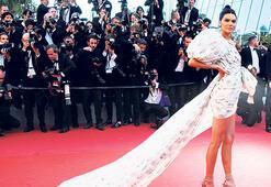 Modeller Cannes'ı podyuma çevirdi
