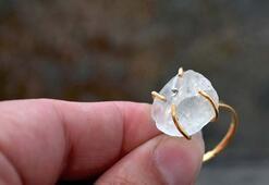İşlenmemiş mücevherlerden yapılan muhteşem yüzükler