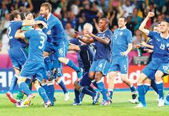 Yarı finalin adı: İtalya-Almanya  İtalya'nın hakkıydı, kazandı