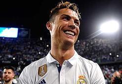 Dünyanın en çok kazanan futbolcusu Ronaldo