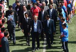 UEFA Başkanı Platini Afganistanda