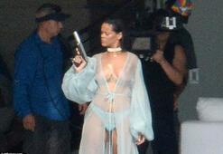 Rihanna yeni klibinde çırılçıplak
