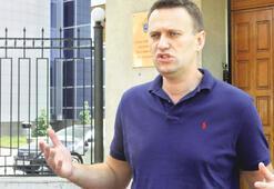 Ünlü muhalif Navalni dönek mi