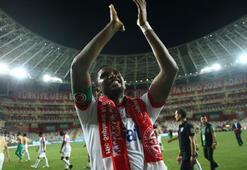 Etoo, Antalyaspor tarihine geçti