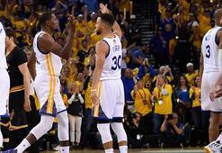 Durant-Curry şov LeBrona acımadılar: 2-0