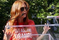 Julianne Mooredan silah şiddetine karşı eylem