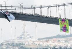 Göztepe bayrağı Boğaz'da dalgalanıyor