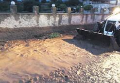 Bekilli'de tarım alanları su altında
