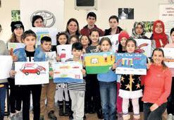 EÇEV'li çocuklar arabaları resmetti