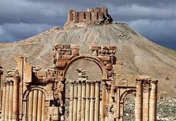 Suriye ordusu Palmiranın kalbine girdi