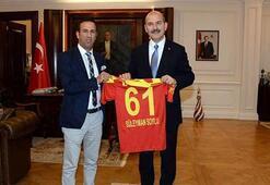 Gevrek'ten Bakan Soylu'ya Yeni Malatyaspor forması