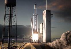 SpaceX üç ay içinde en büyük roketini uzaya gönderebilir