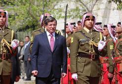 Başbakan Davutoğlundan Ürdünde flaş açıklamalar