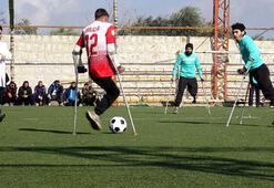 İdlibde savaş mağdurlarından ampute futbol maçı