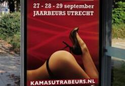 Hollanda: Dindarlardan erotik afişe tepki