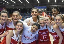 A Milli Kadın Basketbol Takımı yarı final için parkede