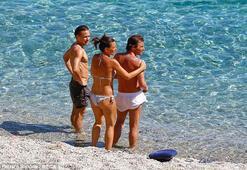 Antonio Conte ailesiyle tatilde