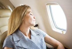 Uçakla tatile giderken omurganızı korumayın