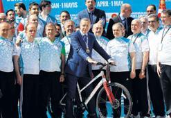 Bisiklet turunun startını verdi