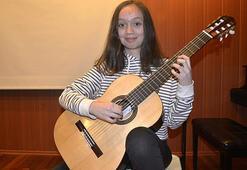 Geleceğin gitaristi Bulgaristandan ödülle döndü