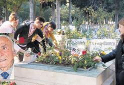İzmirli 'Salih Baba'sını unutmadı