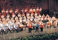 Senfoni orkestrasından konser
