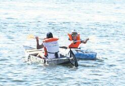 Kartondan tekneler Alsancak'ta yarıştı