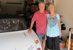 Çalınan arabasını 42 yıl sonra internette buldu