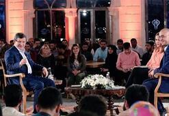 Başbakan Ahmet Davutoğlu gençlerle