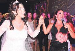 Küçükbay'dan dillere destan bir düğün