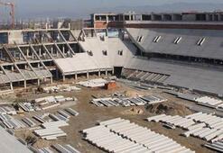 Timsah Arenada deprem çalışması