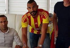 Evkur Yeni Malatyaspor'da Yalçın Ayhan imzayı attı