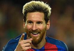 Messi bayrak adam olma yolunda