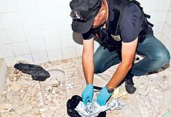 Kadıköy'de 200 polisle uyuşturucu operasyonu