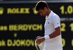 Novak Djokovic sahadan çekildi