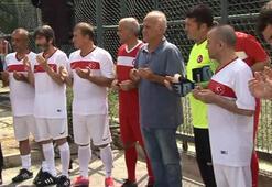 Eski milli futbolcular 15 Temmuz şehitleri için sahaya çıktı