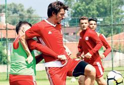 Sivasspor kampa girdi